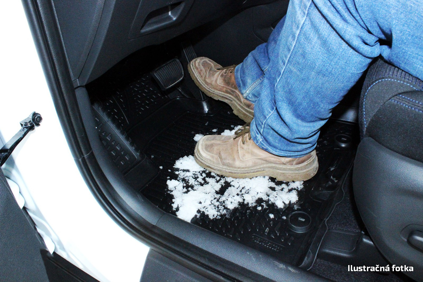 Poza cu Covorase din cauciuc tip tavita Premium, Dodge Avenger, 2007-2014