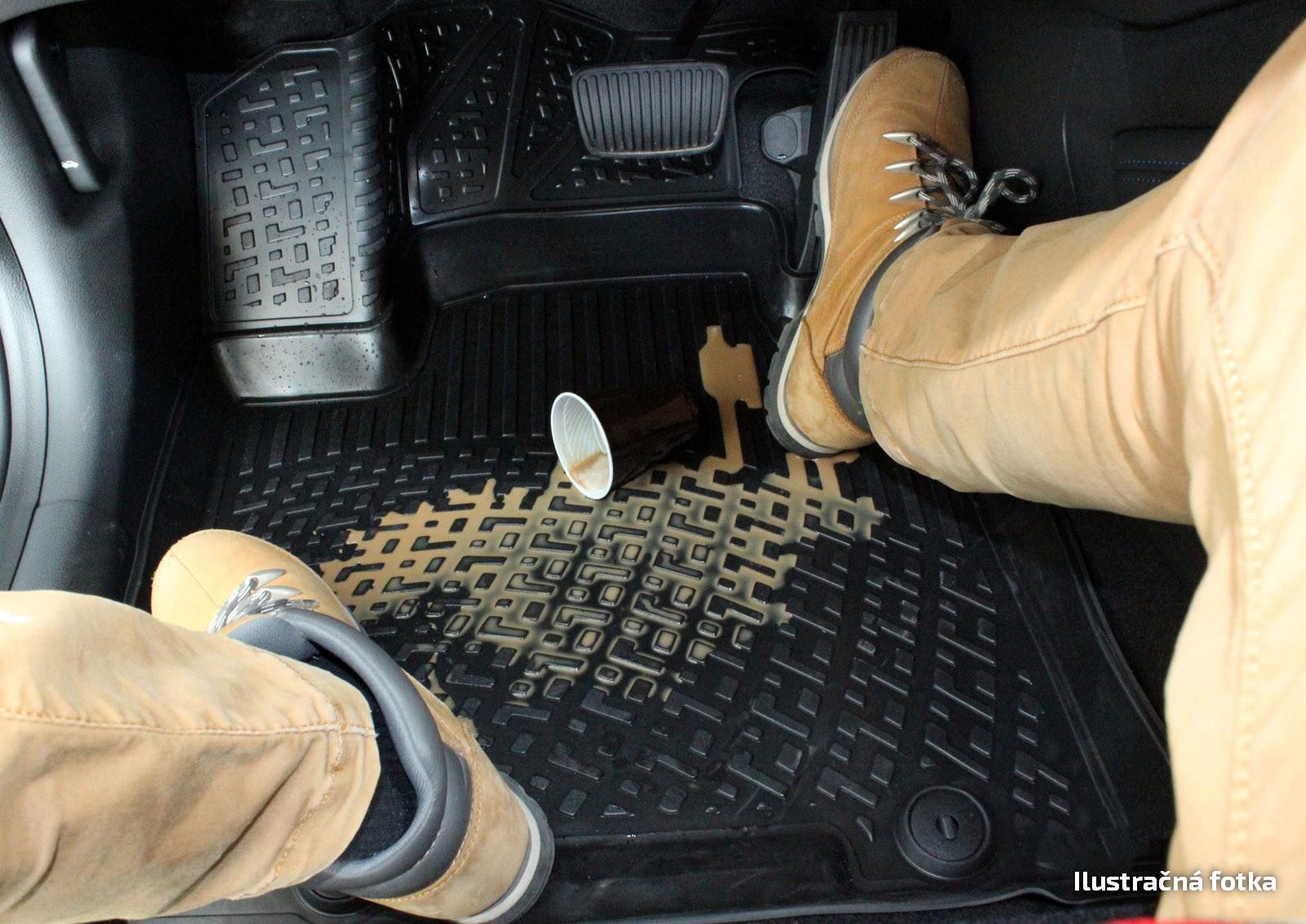 Poza cu Covorase din cauciuc tip tavita Premium, Toyota Yaris Hybrid, 2014-2019
