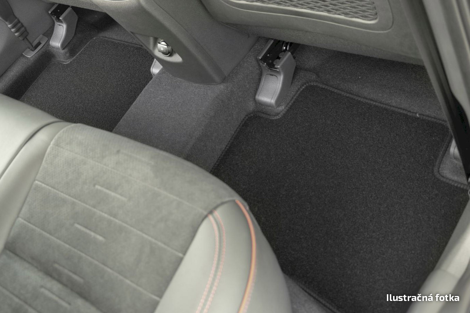 Poza cu Covorase din velur, Mercedes-Benz Clasa B (W246), 2011-2019
